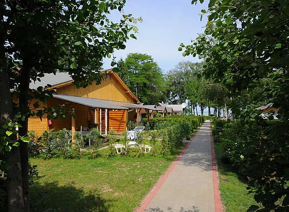 bathori bungalows camping feriendomizile. Black Bedroom Furniture Sets. Home Design Ideas