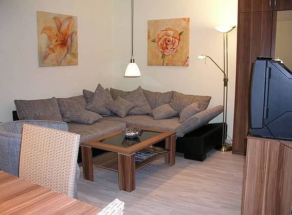 ferienwohnung berlin domizil neu venedig. Black Bedroom Furniture Sets. Home Design Ideas